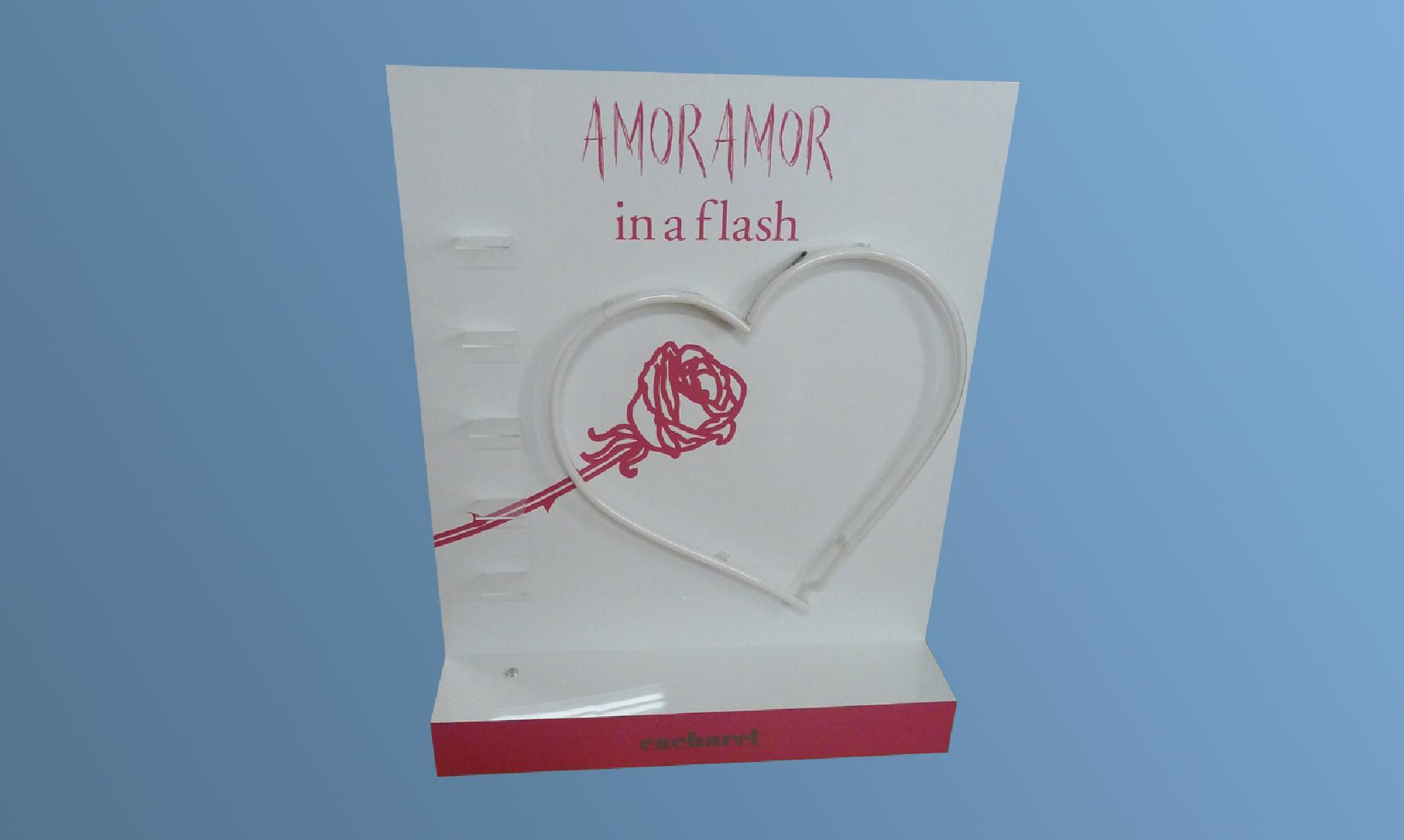 07_presentoir_amor_amor